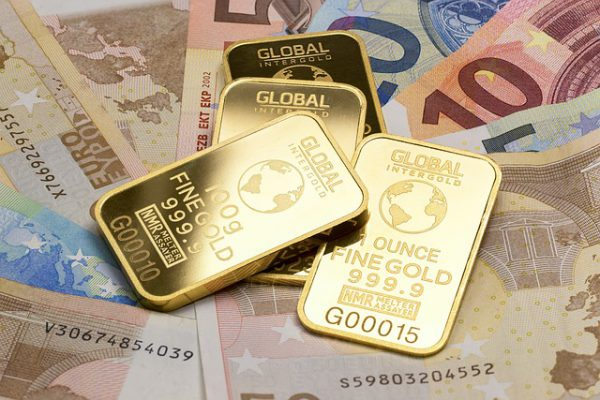 gold-is-money-2430052_640